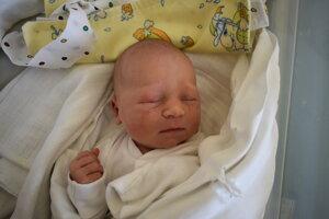 Júlia Vondrová (3350 g, 49 cm) sa narodila 30. mája Jane a Petrovi z Veľkej Hradnej.