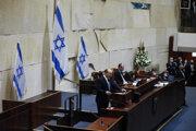 Novým premiérom sa stal Naftali Bennett.