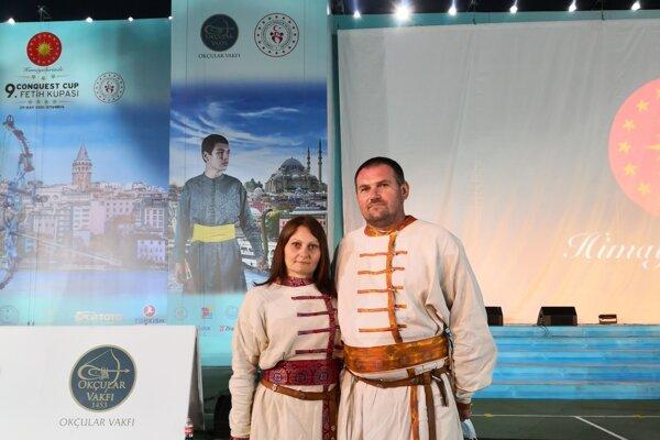 Manželia Valéria a Peter Bogárovci z Marcelovej na podujatí v Turecku.
