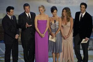 Šestica na udeľovaní televíznych cien EMMY Awards v roku 2002.