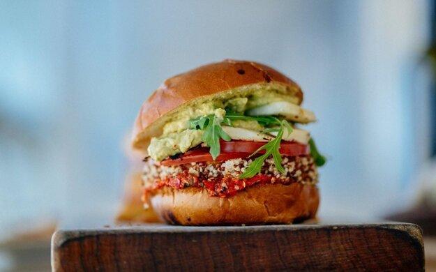 Vegánsky burger. Kliknite na obrázok a dostanete sa k receptu.