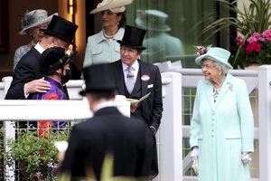 Kráľovná Alžbeta II. na tradičných dostihoch Royal Ascot.