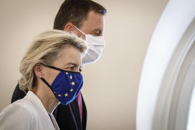 Predseda vlády SR Eduard Heger a predsedníčka Európskej komisie Ursula von der Leyenová.