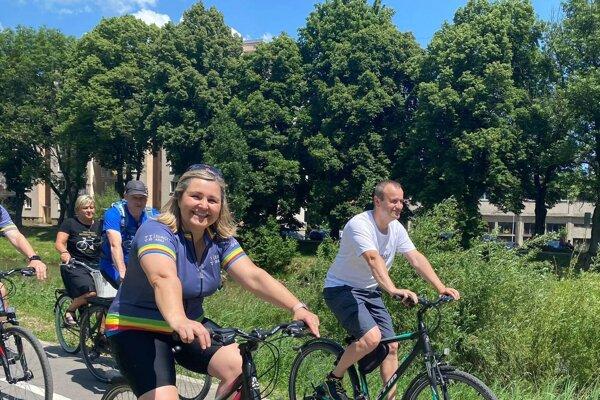 Erika Jurinová, predsedníčka Žilinského samosprávneho kraja, sa zcyklotrasy teší. Métou však je vybudovať pokračovanie cyklotrasy až do Žiliny.