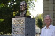 František Kapcár na odhalení busty zakladateľa Medzinárodného maratónu mieru Vojtecha Bukovského v roku 2018.
