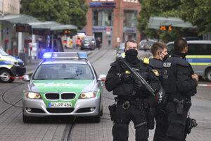 Polícia po útoku námestie uzavrela.