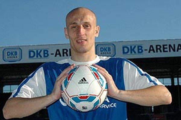 Marek Janečka vymenil tričko FC ViOn za dres Hansy Rostock.