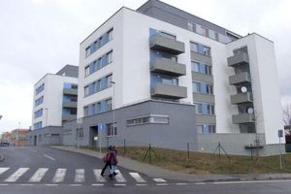 Bytové domy Harmónia na Klokočina. Mesto uvažuje nad ich kúpou od firmy.