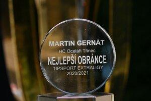 Gernát si priniesol do Prešova trofej pre najlepšieho obrancu.