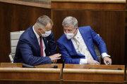 Predseda NR SR Boris Kollár a minister zdravotníctva SR Vladimír Lengvarský.