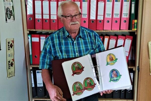 Ján Kupka z Čadce zbiera pivné etikety