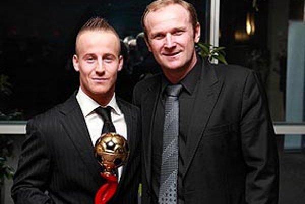 Milan Lednický s klenotom FSA Miroslavom Stochom, ktorý vyhral dva roky po sebe Cenu Dubovského.