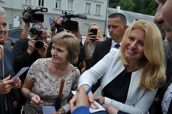 Prezidentka sa v Dolnom Kubíne stretla s ľuďmi, ktorí jej prišli prejaviť podporu.