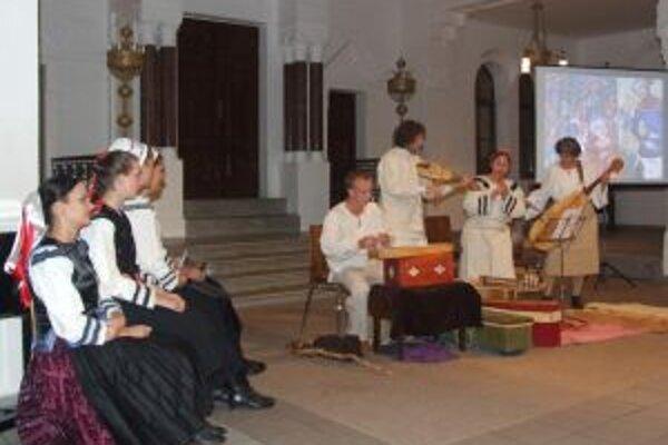 Vinársku problematiku v piesňach i básňach predstavila nitrianska Musicantica Slovaca.