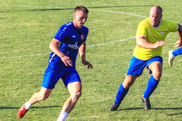 Tomáš Horák (vľavo) odišiel z Jarku (7. liga) do Galanty (3. liga) a môže si zahrať aj proti Nitre.