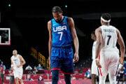 Americký basketbalista Kevin Durant na OH 2020.