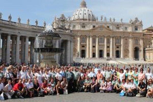 Rím navštívilo aj takmer 140 pútnikov z Nitry.