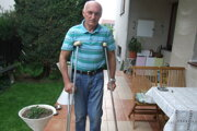Bývalému nitrianskemu futbalistovi Františkovi Rapanovi pred dvomi rokmi vo fakultnej nemocnici operovali zdravé koleno.