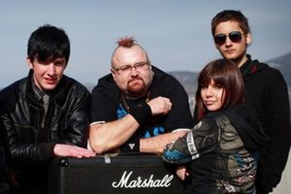 Skupina Borra - zľava Martin Redface Cibulka, Peter Sanchez Saniga, Barbora Čičmanová a Ivan Matejovič.