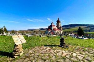 Na cintoríne v Čertižnom je vpísaná história.