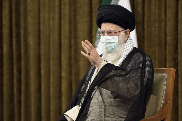 Iránsky najvyšší duchovný vodca ajatolláh Alí Chameneí.