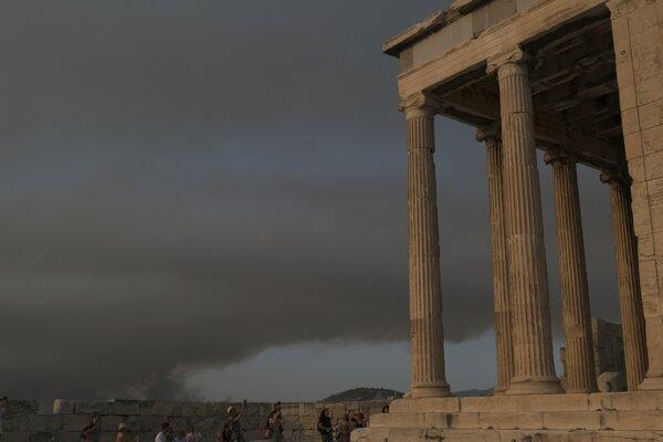 Atény pod dymovým mrakom.