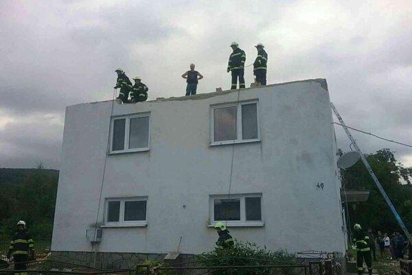 Zásah hasičov v Petkovciach.
