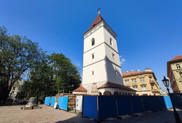 Urbanova veža bude počas návštevy pápeža odhalená až po prízemie.