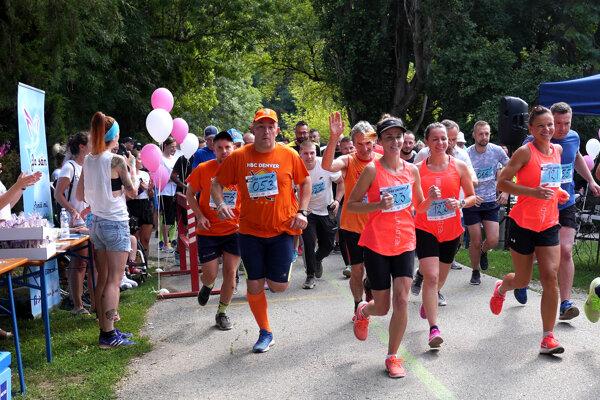 V mestskom parku v Nitre sa bude behať pre Viktóriu, vo Veľkom Lapáši pre Katku.