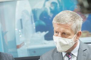Minister zdravotníctva Vladimír Lengvarský sa zúčastnil na slávnostnom otvorení pracoviska magnetickej rezonancie s novým MR prístrojom.
