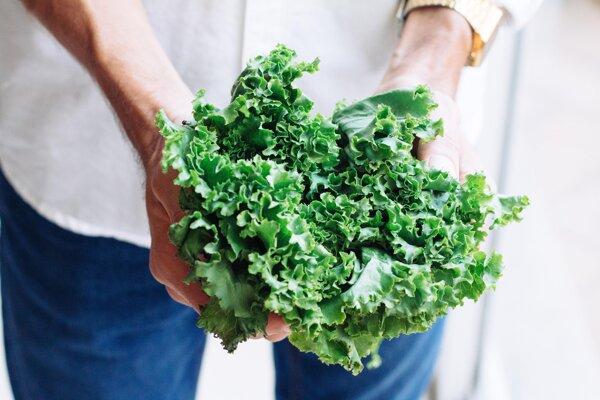 Kučeravý, ružičkový či listový - kel je jedna z najzdravších a najvýživnejších rastlinných potravín, aké existujú.