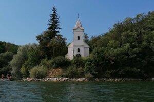 Natáliino telo voda vyplavila pri Trepeckom kostolíku.