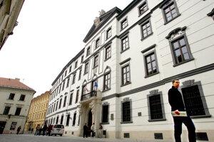 Univerzitná knižnica v Bratislave.