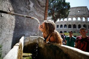 Najrozšafnejšie gesto bohatstva, aké na planéte existuje, je rímska verejná, čistá, voňavá pitná voda prístupná kdekoľvek v meste a pre kohokoľvek.