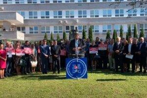 Za zachovanie akútnej zdravotnej starostlivosti sa postavili občania aj zástupcovia miest a obcí.