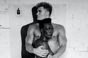 Z filmu Helmut Newton: Nehanebná krása. Modelka Grace Jones považovala prácu s Helmutom Newtonom za vrchol kariéry.