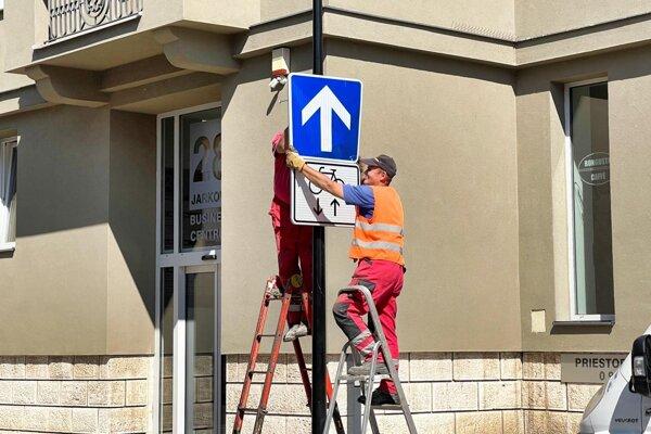 Nové dopravné značenie v centre mesta.