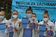Študentky Strednej zdravotníckej školy nemocnicu potrebujú na vzdelávanie.