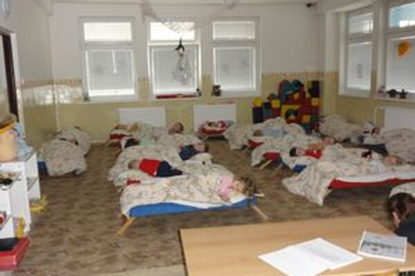 Deti budú môcť byť 18.novembra v oboch školských  zariadeniach.