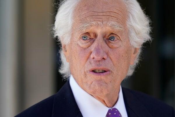 Právnik Johna Hinckleyho, Barry Levine.