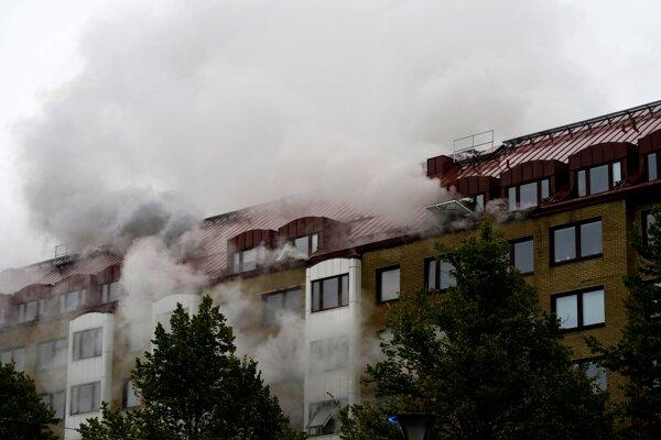 Najmenej 25 ľudí utrpelo zranenia pri výbuchu obytného domu v Göteborgu.