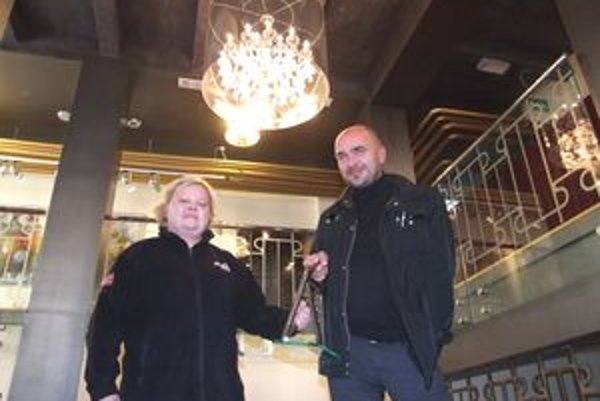 Viktor Šabík a Tatiana Kopková v Starom divadle s ocenením CE.ZA.AR.