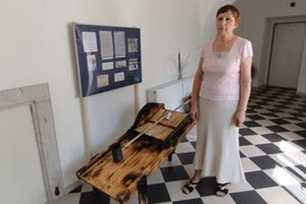 Riaditeľka archívu Veronika Nováková hovorí, že niektoré časti chotárov majú  doteraz problémy so spodnými vodami, pretože sú na miestach bývalých korýt Váhu.