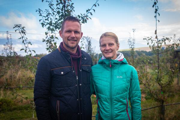 Pavol Belluš s manželkou Martinou pestujú na Liptove drobné ovocie.
