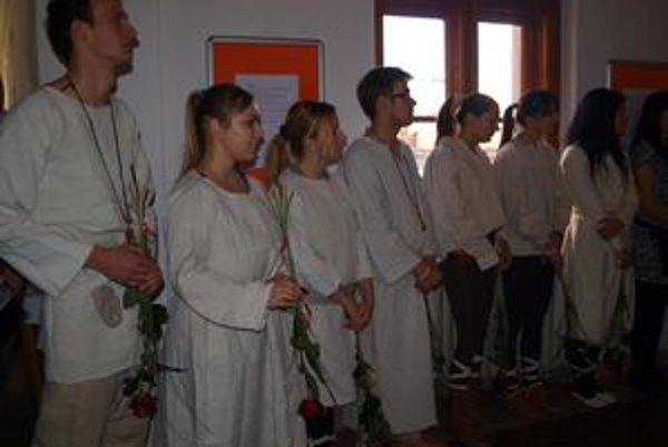 Výstava Technológie starých Slovanov je bakalárskou prácou 11 študentov katedry muzeológie FF UKF v Nitre.