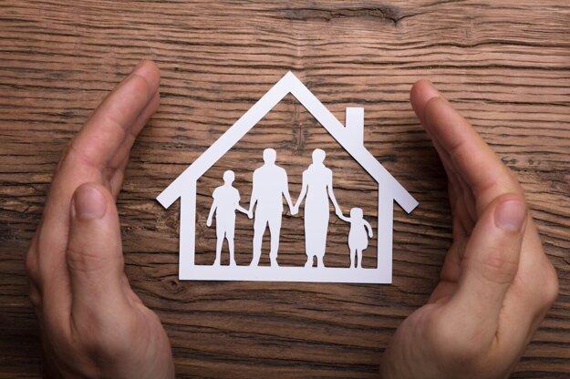 Mať svoje poistné zmluvy, platby či škody pod kontrolou z pohodlia domova dokáže v mnohom uľahčiť život.