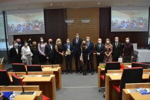 Časť pedagógov nominovaných na ocenenie Naj učiteľ PSK.