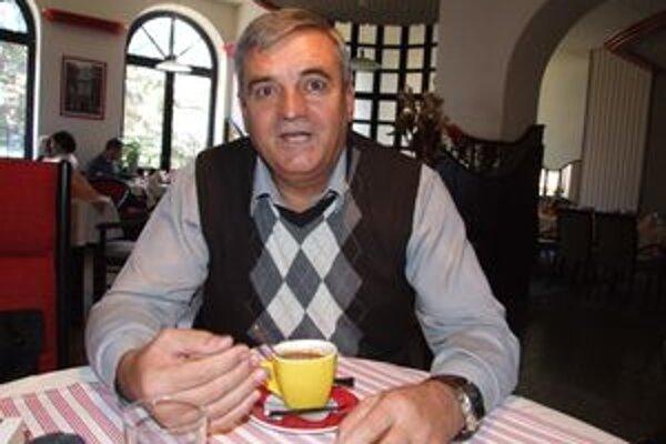 Exprimátor a zvolený kontrolór, ktorý funkciu nikdy nevykonával, mesto zažaluje. Je pravdepodobné, že Milan Skyva vysúdi od Zlatých Moraviec desaťtisíce eur.