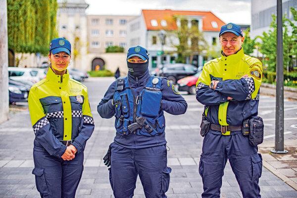 Mestskí policajti z Trnavy.