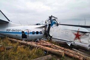 Havarované lietadlo typu L – 410 neďaleko mesta Menzelinsk v Tatárskej republike.